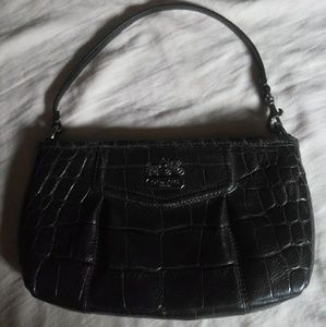 💜💜COACH LARGE WRISTLET! CLEAN!! MAKE OFFER NOW!!